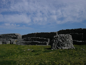 Photo: Dún Chonchúir (Conor's Fort)