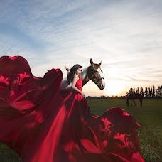 Wedding photographer Maksim Maksfor (Maxfor). Photo of 15.08.2017