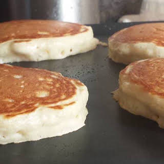 Light & Fluffy Pancakes.