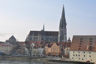 Photo: Regensburg leží na nejsevernějším ohybu řeky Dunaj. Na východ od města leží Bavorský les.