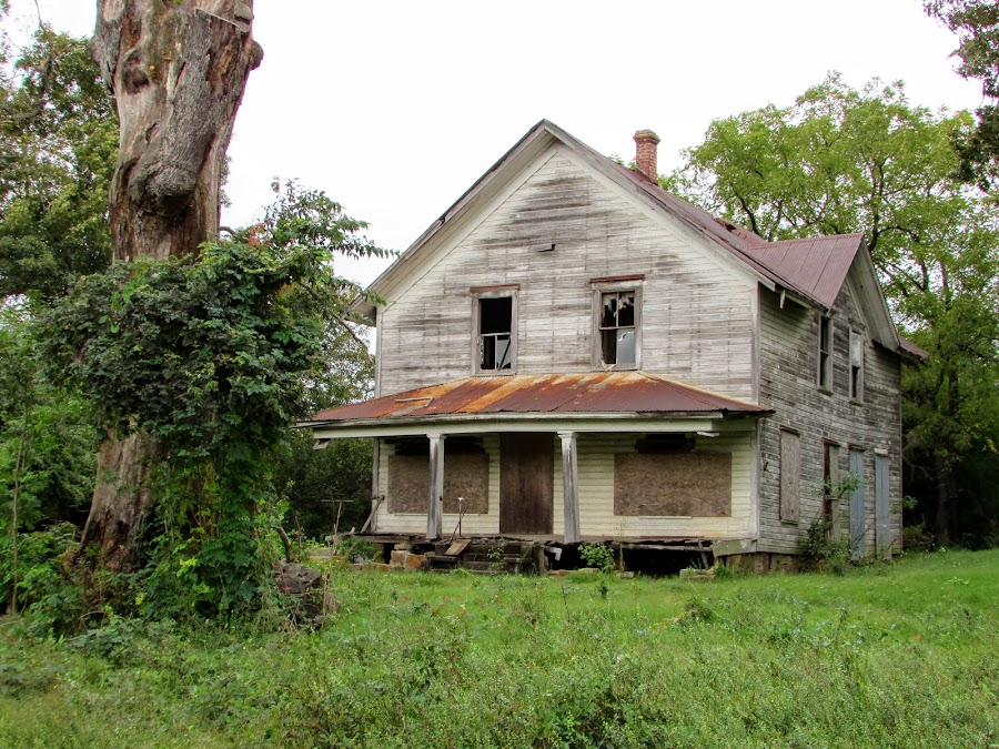 Faded Farm Memories by Rick Covert - Buildings & Architecture Decaying & Abandoned ( farmhouse, rural, arkansas, farm, arkansas photographer, abandoned, architecture )