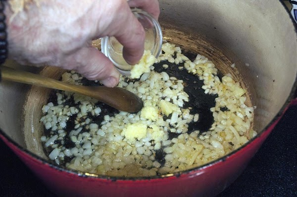 Add the garlic and stir until fragrant, about 30 seconds.