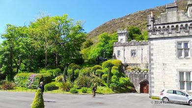 Photo: Näkymä luoteeseen Kylemoren luostarin kivipihalta.
