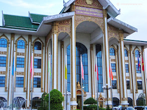 Photo: Le National Culture Hall, Laos