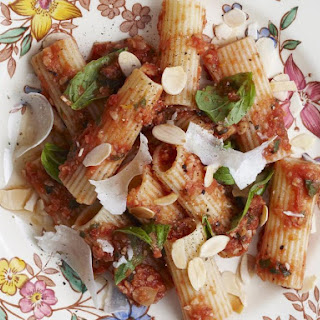 Rigatoni with Almond and Tomato Sauce