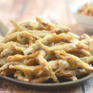 Crispy Fried Smelt Fish.