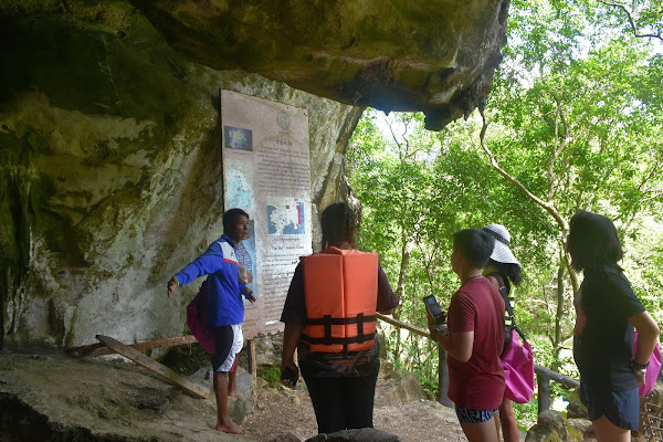 Get explanations about the history and culture of Pee Hua Toh Cave
