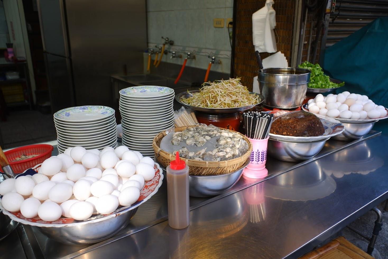 牡蠣入りお好み焼きの店