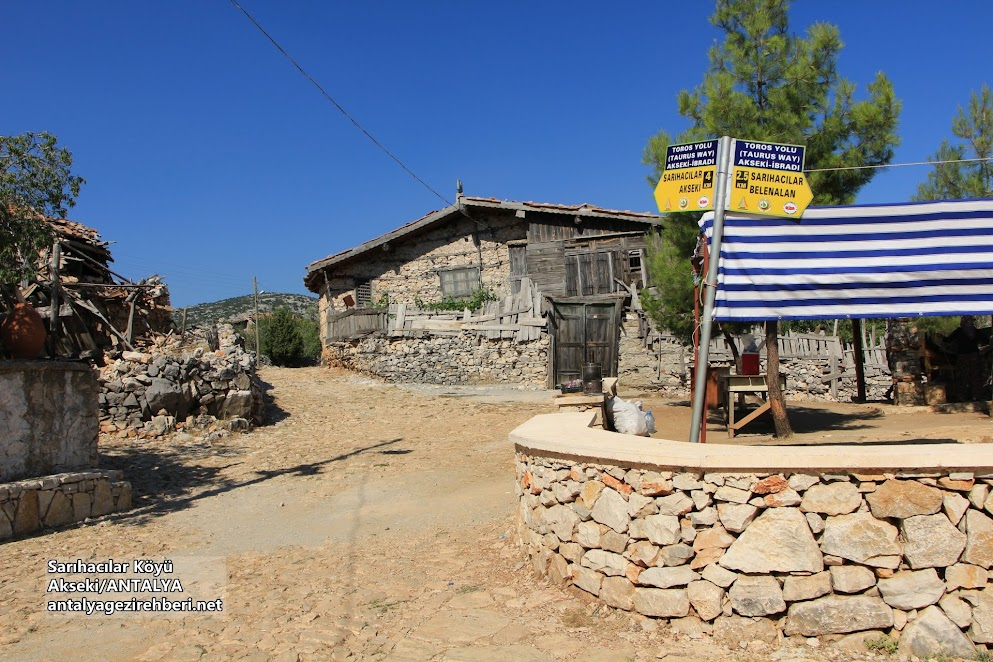 Sarıhacılar Köyü