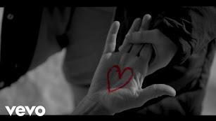 Imagen del vídeo musical.