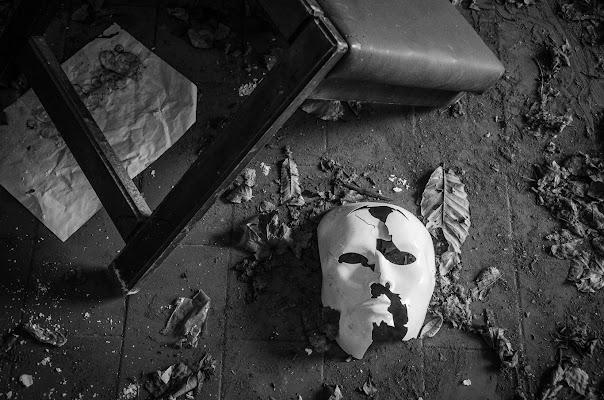 La maschera che indossiamo di AliceB