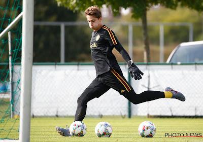 Maxim Deman tekende zijn eerste profcontract bij KV Kortrijk