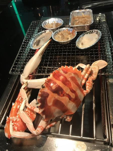 野饌燒肉真的是很值得一去再去的店家 真的從開始吃到現在己經二年多的時間 一直在進步 看到每次去都比上次來多了一些食材,改善了一些缺點 真心覺得這是一家有在為客人著想,精益求精的難得餐廳  最早去吃的時