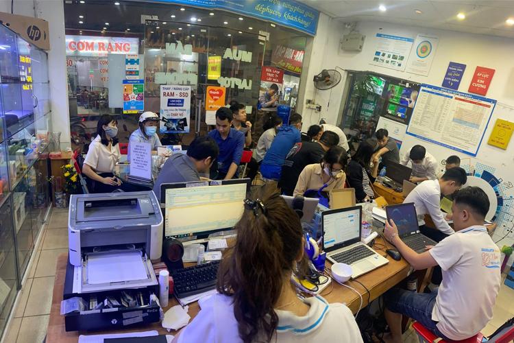 Hình ảnh thường thấy tại trung tâm Sửa chữa Laptop 24h .com