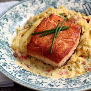 Salmon with Saffron Sauce and Fettuccine