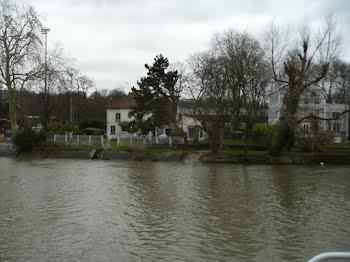 péniche à Champigny-sur-Marne (94)