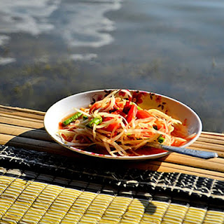 Som Tam - Thai Green Papaya Salad (Without Pounding!).
