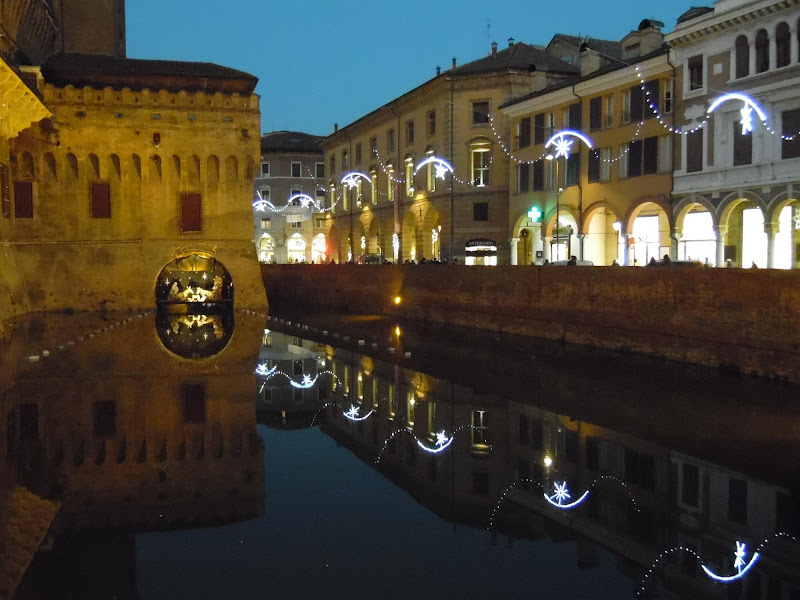 Ferrara by night di joysphoto