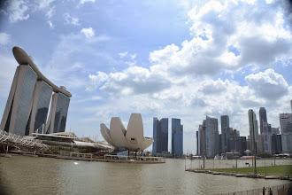 Photo: Singapore skyline