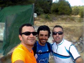 Photo: Trío de ases bikeando. Great day!