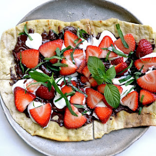 Strawberry Chocolate Mint Dessert Pizza