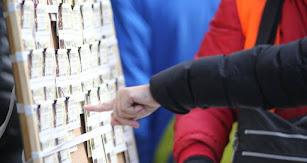 Los almerienses buscan la suerte con casi 250 millones de euros en Lotería.