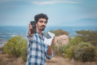 Photo: Sunday giveaway winner Srinavin K. showing off his new Pixel 2 XL.