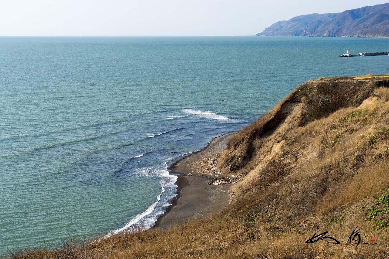 穏やかな海岸沿い