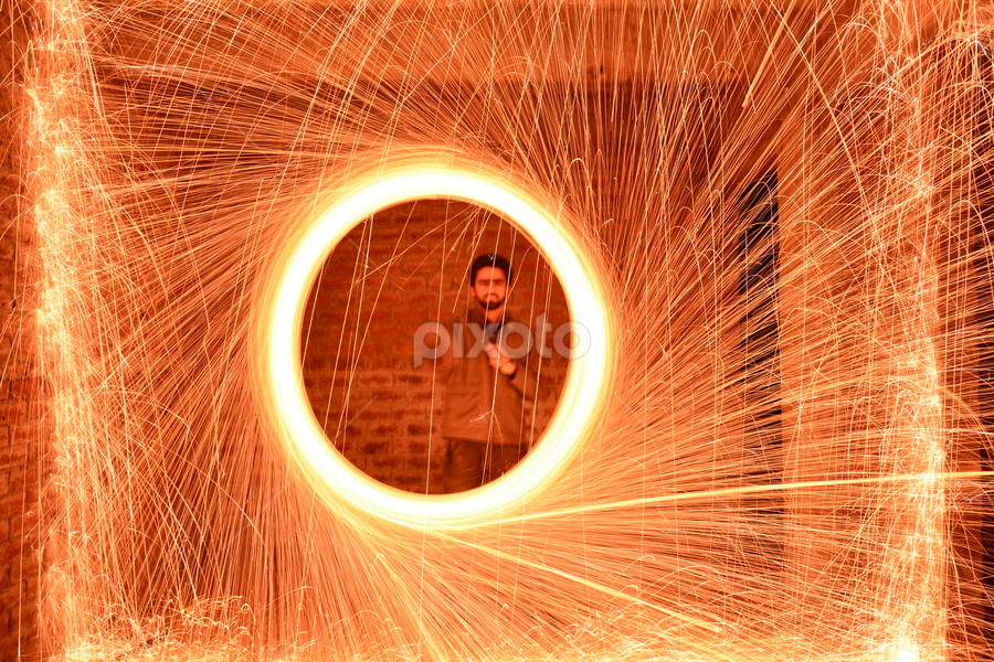 iTs Sparky. by प्रसाद जोशी - Abstract Light Painting