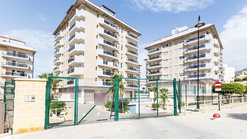 Piso en venta en Avenida Bahía de Almería, en Roquetas.