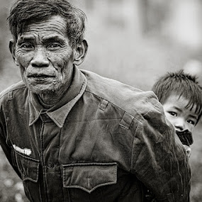 Pops and Junior by Thomas Jeppesen - People Portraits of Men ( monochrome, b&w, thomasjeppesen, farmer, black and white, bw, vietnamese, vietnam, subsignal, photography, portrait )