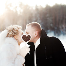 Wedding photographer Vladimir Mikhalenko (GhostlyTalamaur). Photo of 18.01.2014