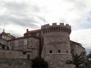 Photo: Korčula was planned with straight streets that let the summer sea breezes in to cool the town, and curved steets that dispersed the cooler air in summer and blocked the cold winds in the winter.