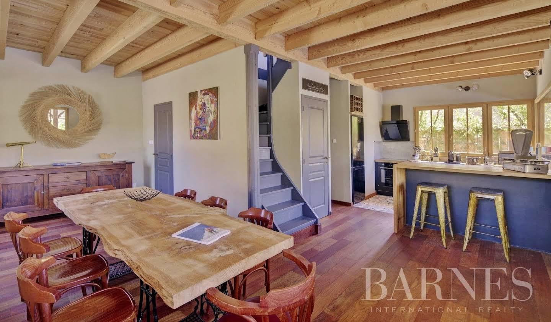 Villa avec piscine et terrasse Ares