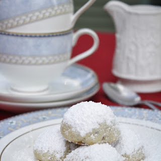 Russian Tea Cakes — Christmas Cookies from Around the World.