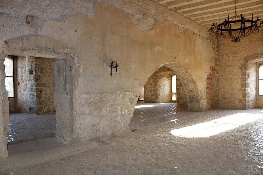 Castillo de Vélez Blanco, conjuga los aspectos militar y palaciego.