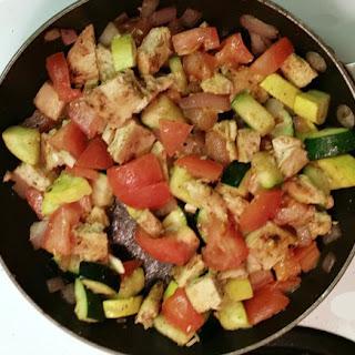 Chick'n and Veggies Stuffed Avocado with Quinoa.