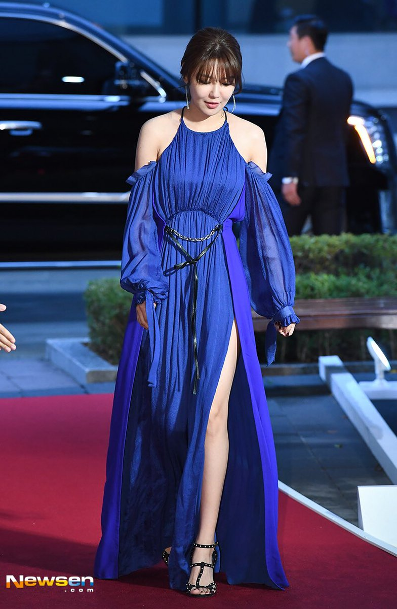 sooyoung gown 17