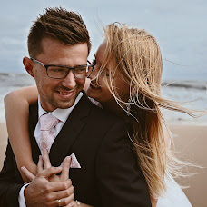 Wedding photographer Sławomir Chaciński (fotoinlove). Photo of 19.02.2018