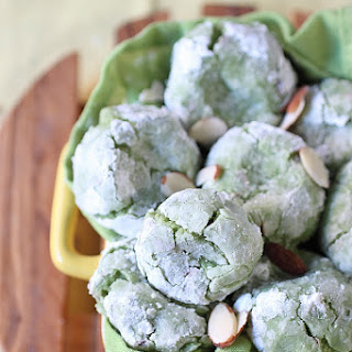 Green Tea Vanilla Bean Almond Crinkle Cookies Recipe