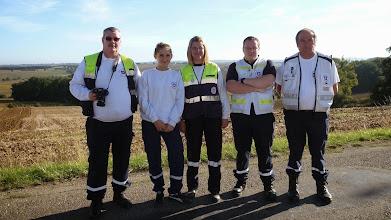 Photo: pas de course sans secouristes , merci a eux