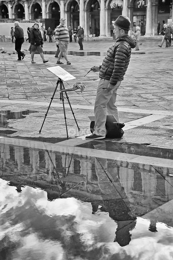 Painter in S.Marco square with high water by Matteo Chinellato - People Street & Candids ( acqua alta, venezia, laguna, high water, lagoon, italia, venice, flooded, italy )