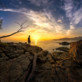 Waiting by Ah Wei (Lung Wei) - Landscapes Sunsets & Sunrises ( shore, teluk kumbar, george town, penang island, beach, landscape, samyang 12mm f2.8, sun, george town penang, sungai batu, nature, sunsets, me, light, golden hour, clouds, samyang, fisheye, paysage, seashore, malaysia, seascape, sunlight, samyang 12mm f/2.8 ed as ncs fisheye, pulau pinang, sunset, penang, defish, air )