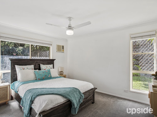 Photo of property at 6 Nottinghill Place, Oxenford 4210