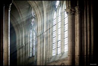 Photo: Auf einer mit Bedacht gewählten Route führte unsere Reise zu stolzen Burgen, einzigartigen Herrenhäusern, mächtigen Kathedralen und einsam gelegenen Klöstern. Reisen in Europa : http://goo.gl/xJ6VQ8