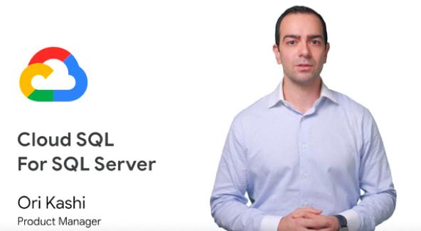 Homem de camisa azul virado para frente com o título do vídeo e o ícone do Google Cloud