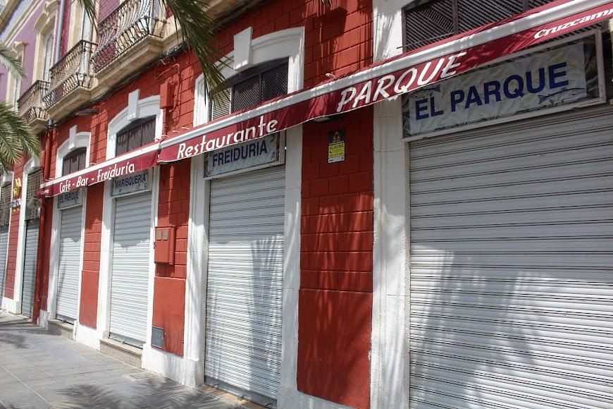 Café Bar Freiduría Restaurante Parque, situado en Parque Nicolás Salmerón.