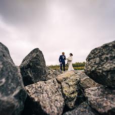 Wedding photographer Dmitriy Shumeev (wedmoment). Photo of 02.03.2018