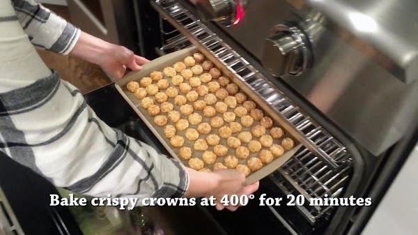 Lay out crispy crowns in a single layer on the bar pan