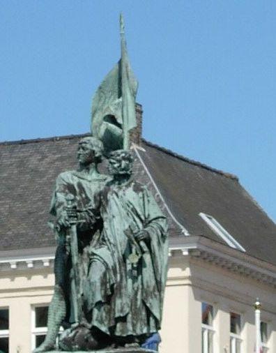 Statue de Jean Breydel et Pierre de Coninck sur le Markt à Bruges